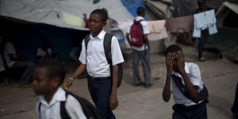 """Sur le camp """"temporaire"""" installé depuis deux ans sur le Champ-de-Mars à Port-au-Prince.AP/Ramon Espinosa"""